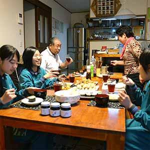 「旬の食材を使った家庭料理」画像